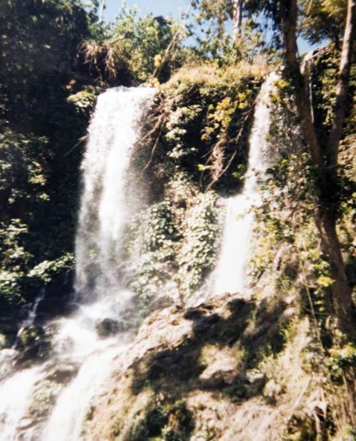 site_filipinas_montanha_cascata