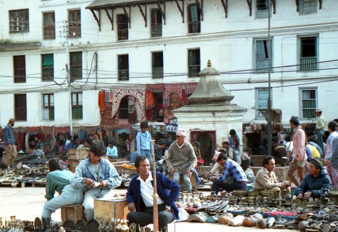 vendedores na praça Durbar