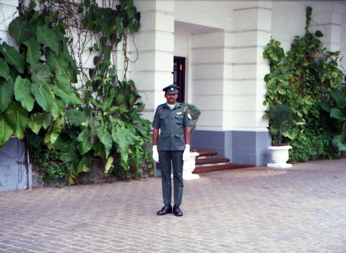 segurança no hotel em Mount Lavinia