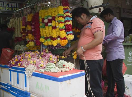 necklaces flowers