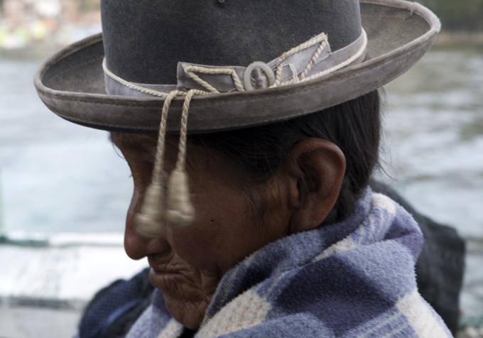 mulher em Tiquina