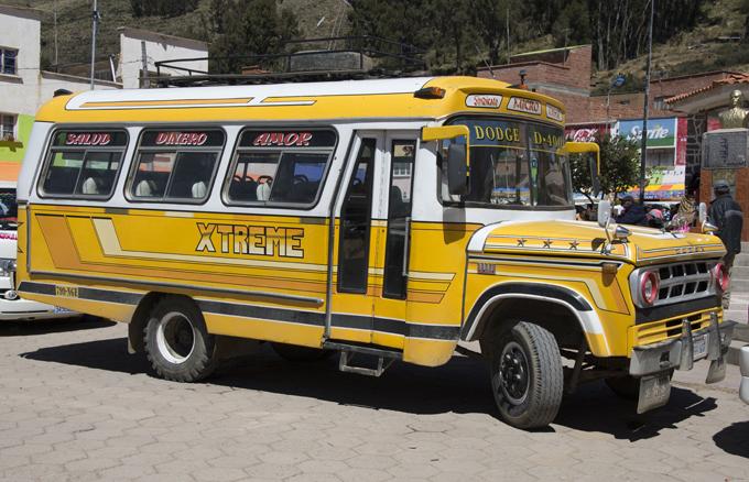 autocarro para Tiquina