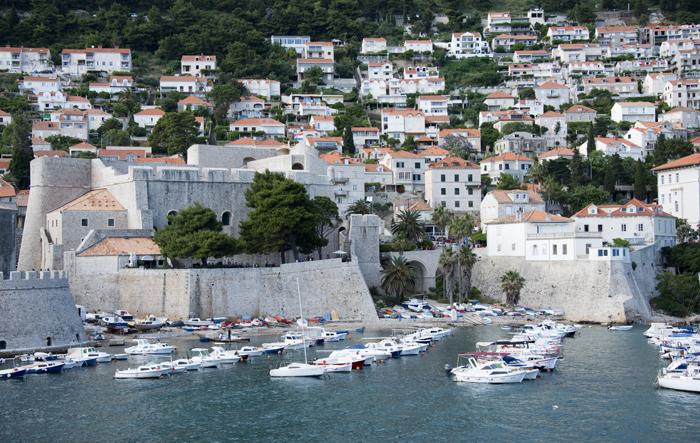 Marina - forte e entrada sul