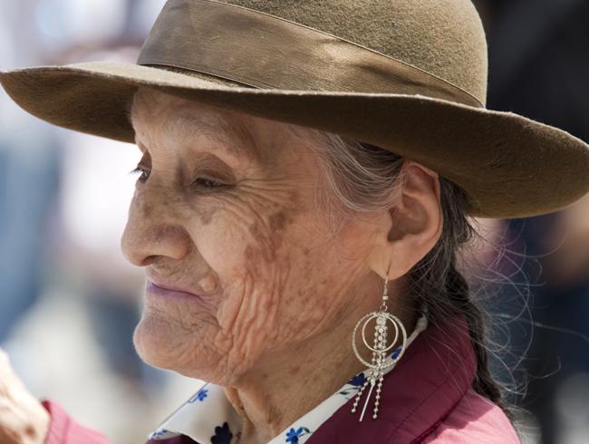 idosa na Plaza de Armas