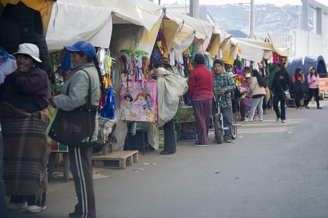 Mercado de rua em Puno