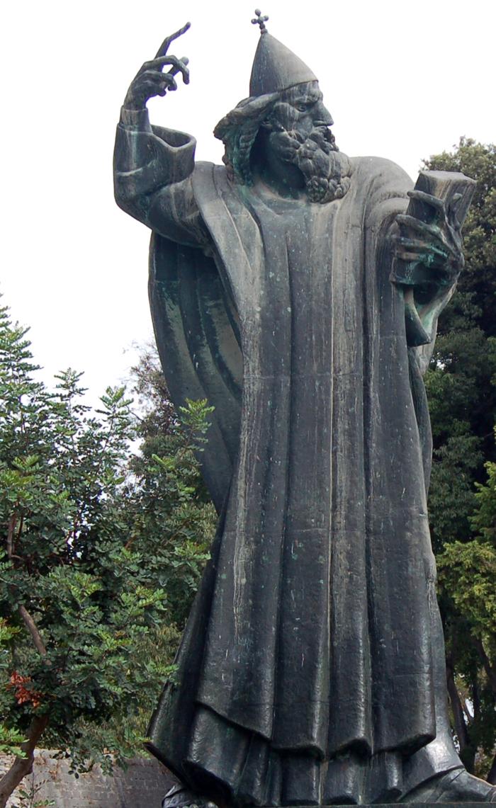 estátua Gregory of Nin