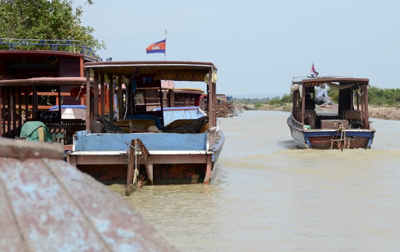 cais das embarcações que vão até ao lago