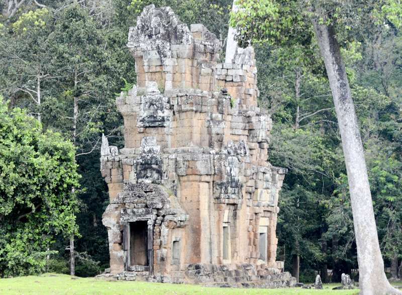 templo em frente ao terraço dos elefantes