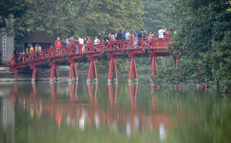 ponte no lago