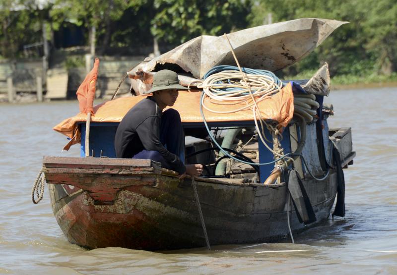 barco no rio Tiền