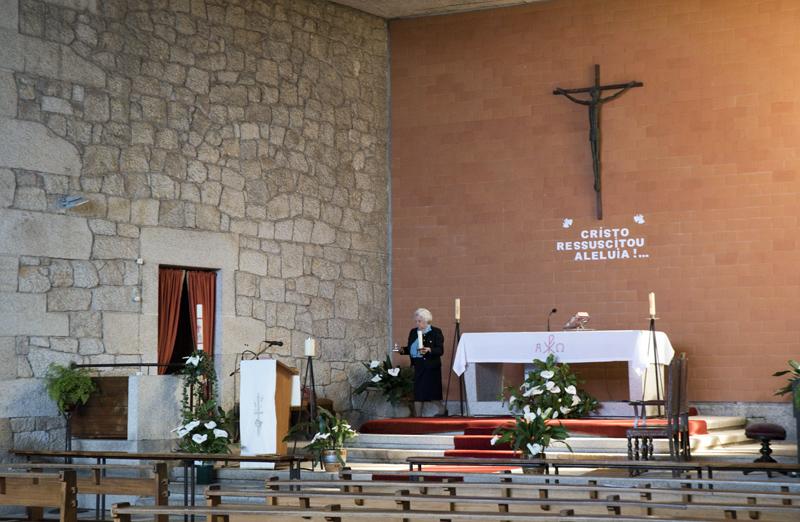 interior da Igreja de Águas