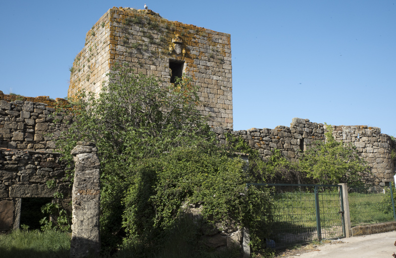 vedações e área circundante ao castelo
