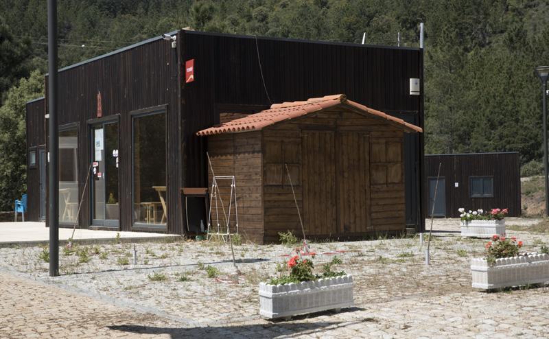 estrutura de apoio e bungalows