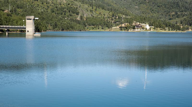 vista da barragem desde o pontão