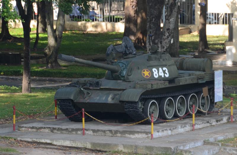 tanque no Palácio da Reunificação