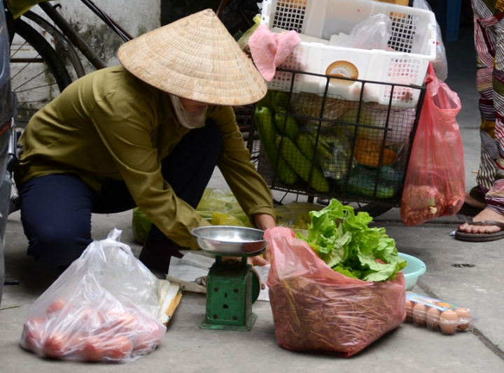 vendedora de legumas na vila