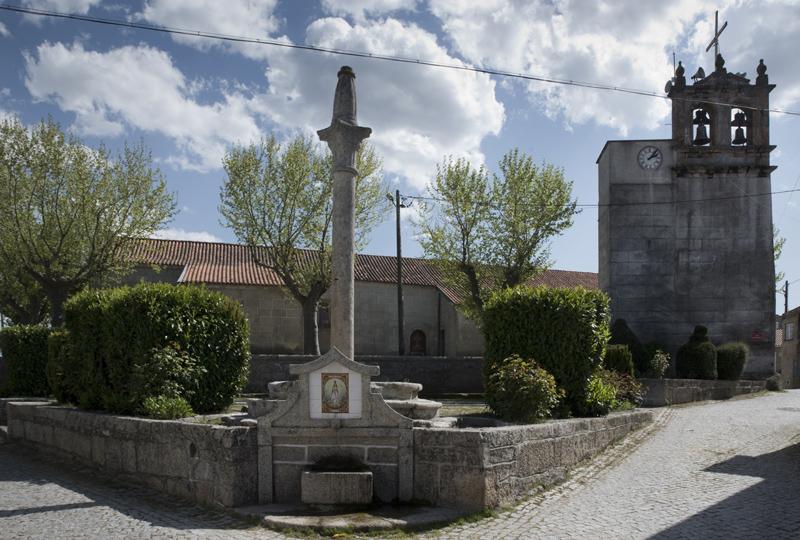 Pelourinho e igreja matriz