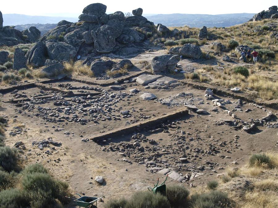 Escavações no Cabeço das Fráguas - Cortesia do Instituto Arqueológico Alemão, Madrid