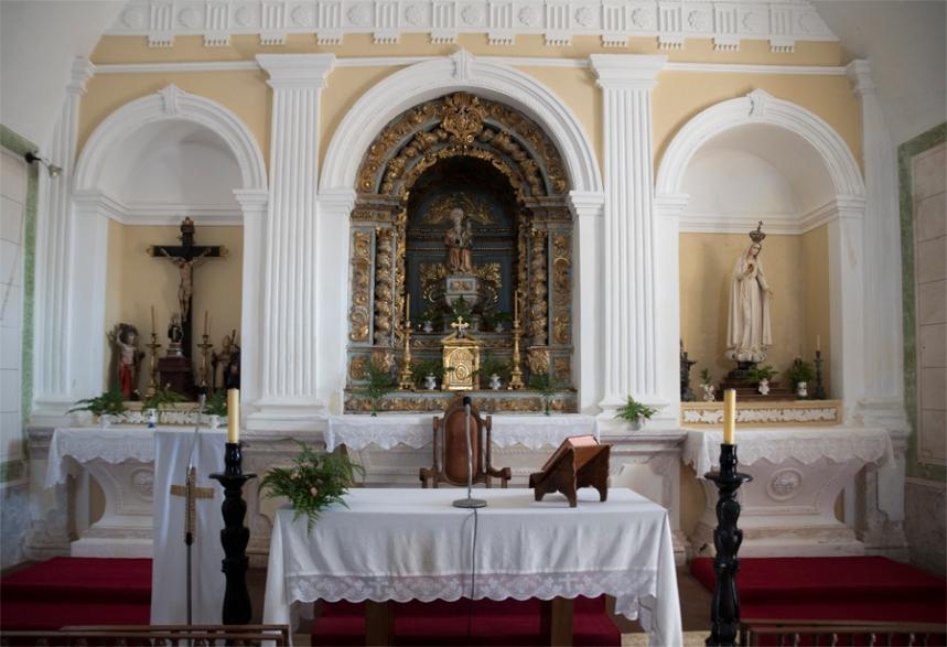 Altar e Santa Ana