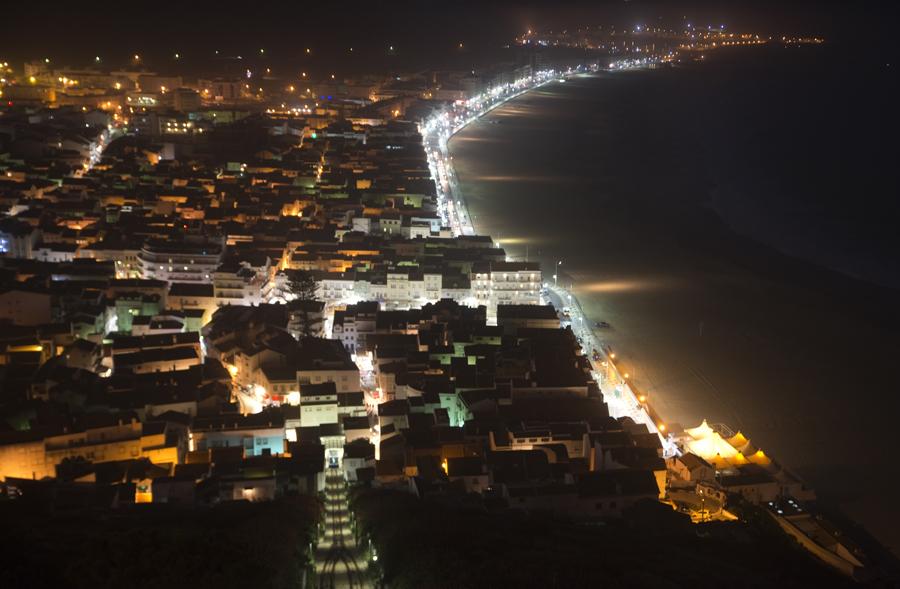 Areal da Praia da Vila visto de noite
