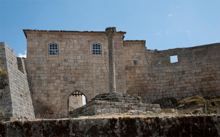 Pelourinho e entrada no centro histórico