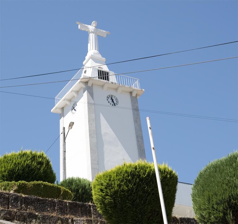 Cristo Rei em Vila Cova à Coelheira