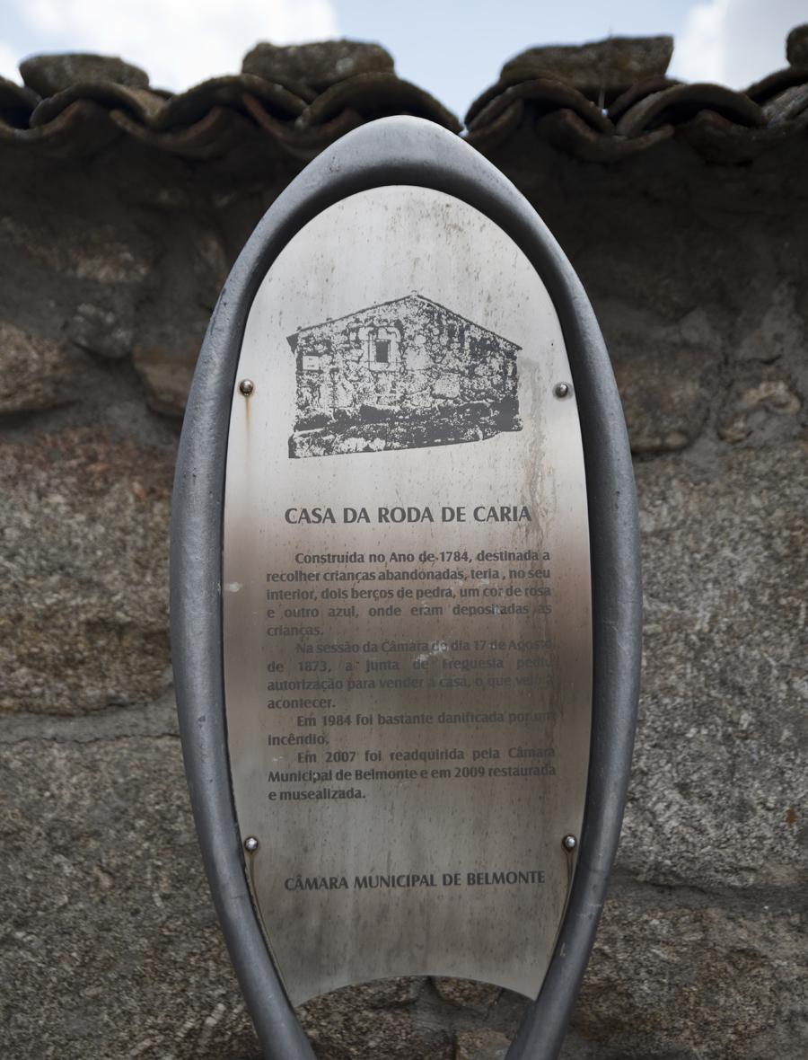 Informação sobre a Casa da Roda de Caria