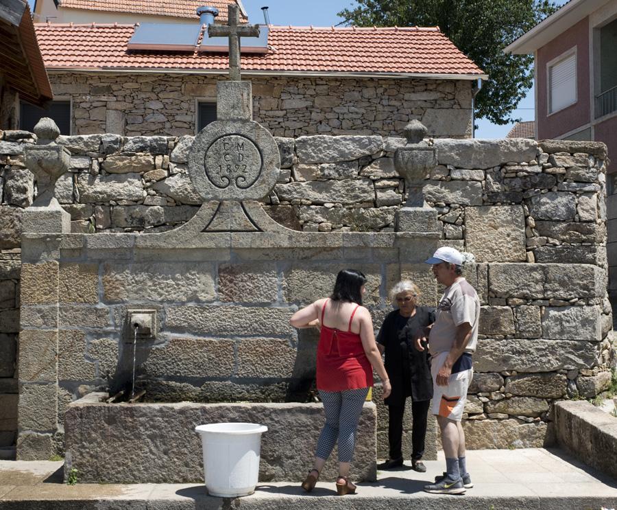Um dos vários fontanários de Pendilhe