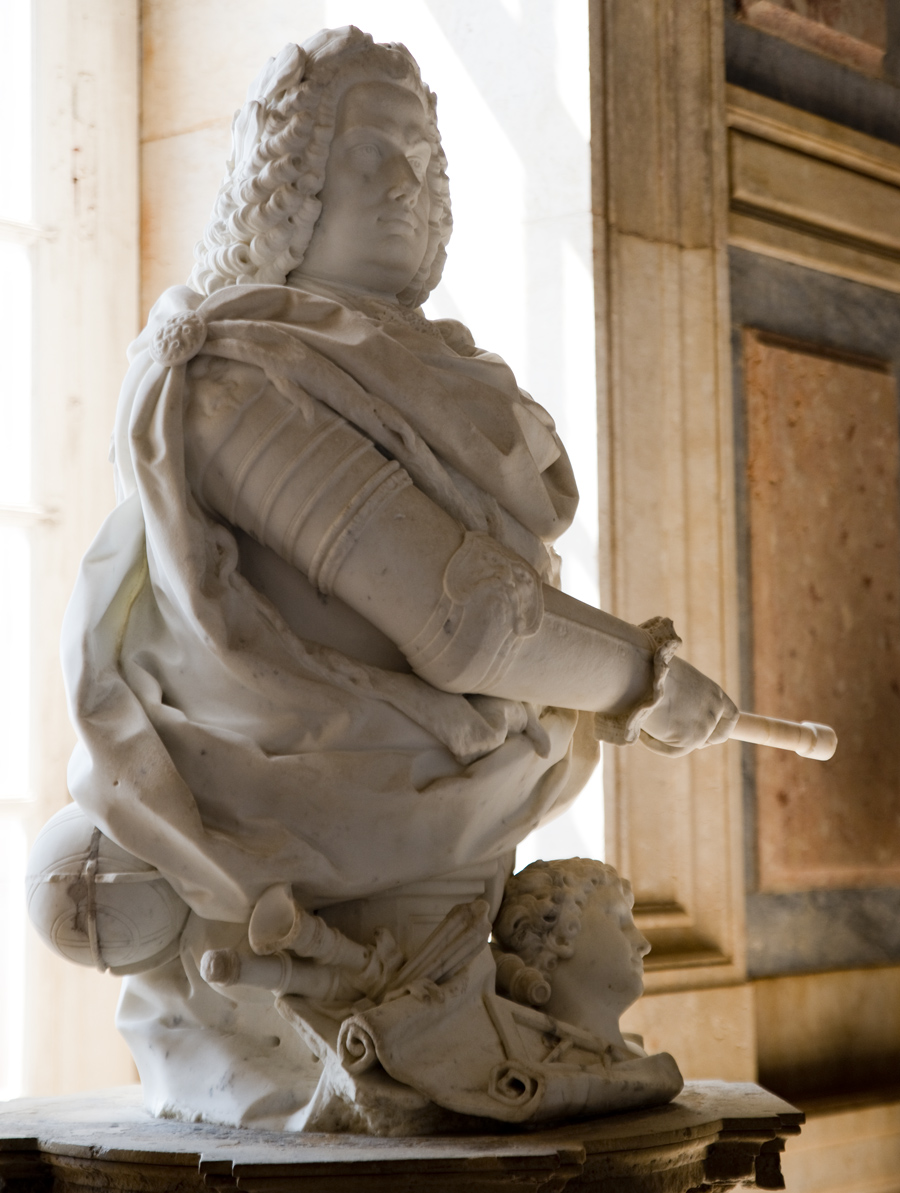 D. João V - escultura do Palácio Nacional de Mafra