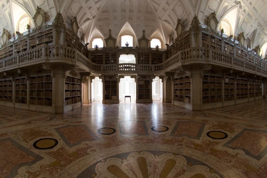 Zona central da biblioteca