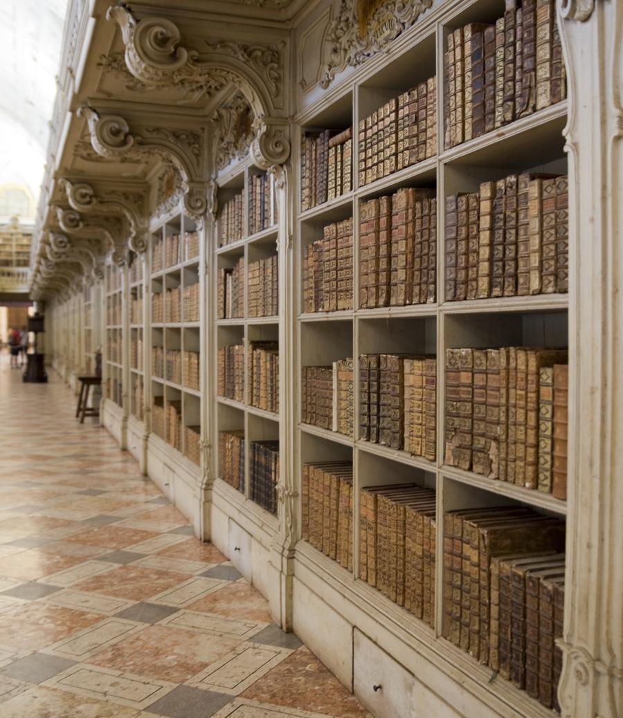 Área dedicada a livros de Ciências Sociais e Humanas