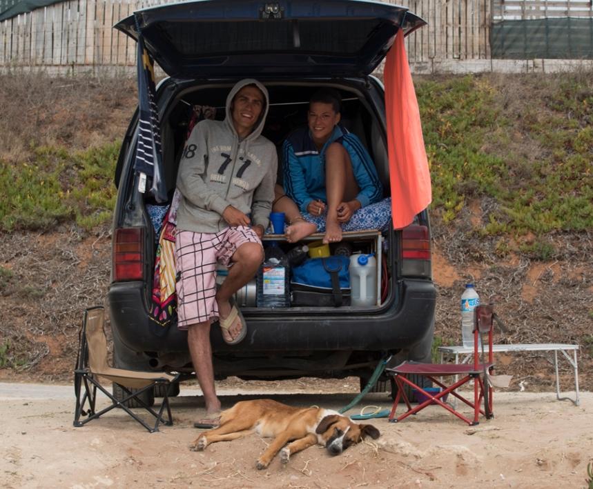 "Visitantes ""alojados"" na Praia do Norte"