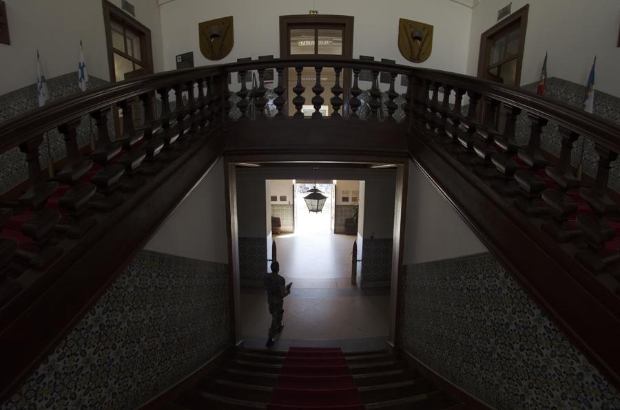 Escadaria principal - a madeira das escadas ainda é a original