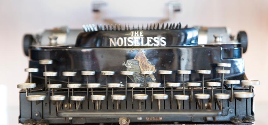 Máquina de escrever de 1924 e contou ainda com o envolvimento de Wellington Parker Kidder