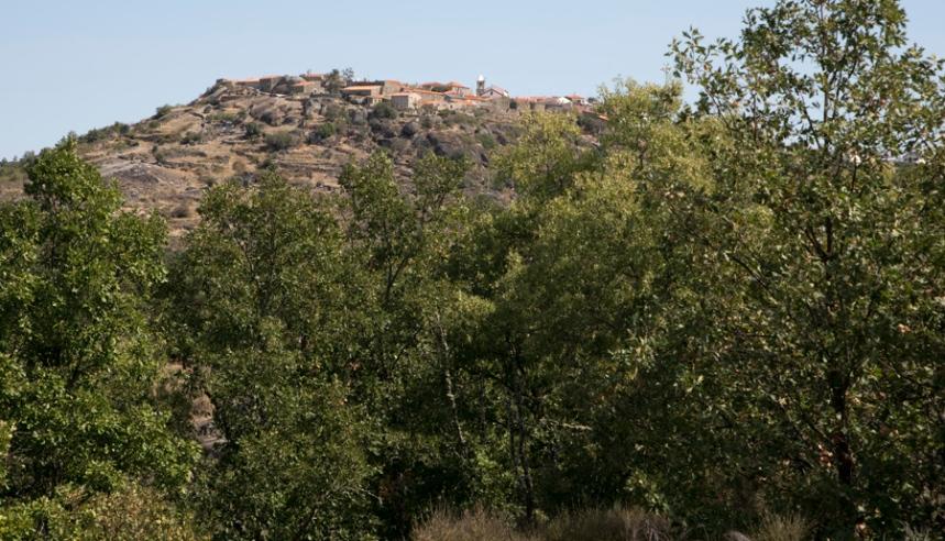 Castelo Bom visto ao longe