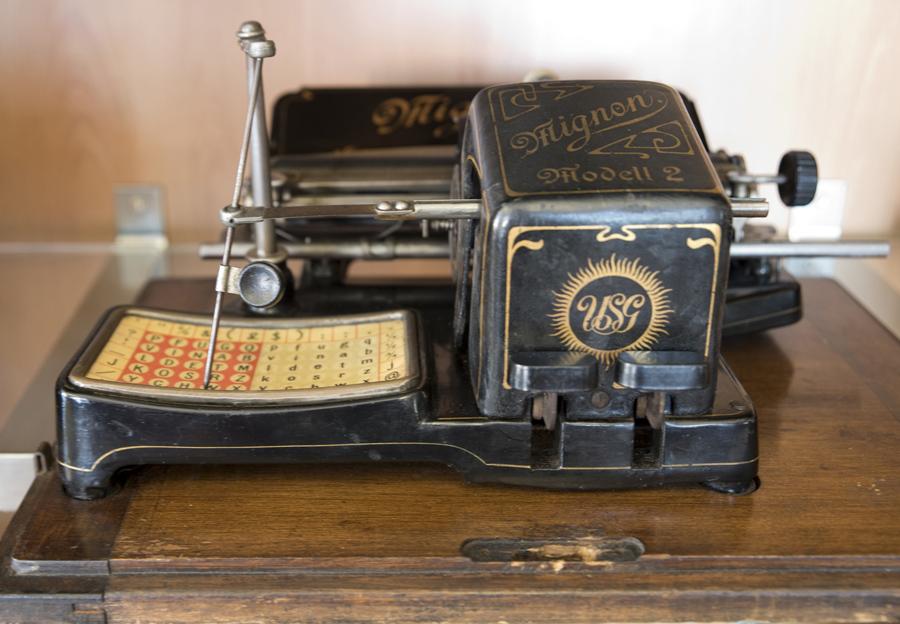 Máquina alemã lançada no mercado em 1905. Foi muito popular e inovadora