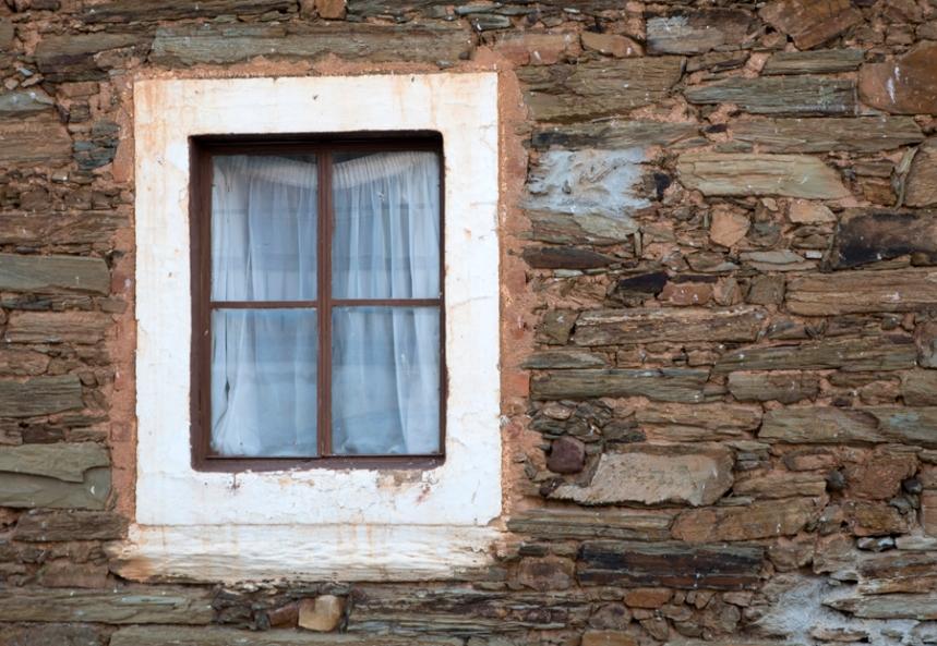 Casa de xisto. Malpica preserva ainda a sua cultura