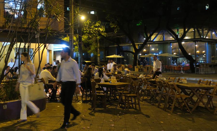 Boteque à noite em Belo Horizonte