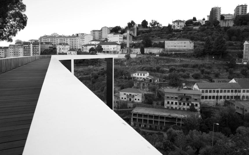 Vista do extremo das Piscinas Municipais
