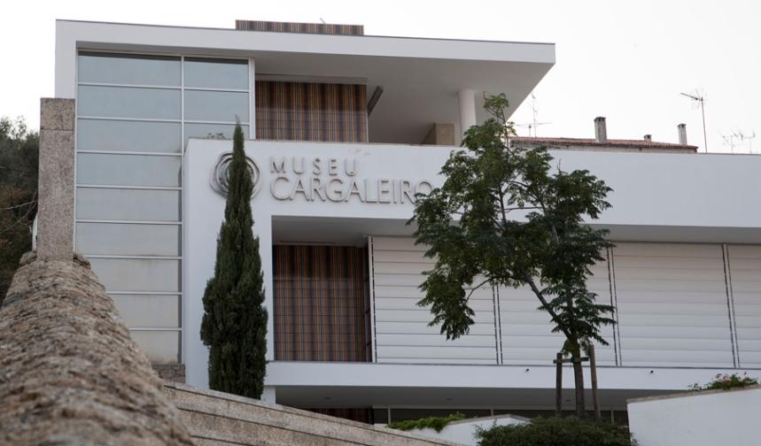 Edifício de arquitectura contemporânea