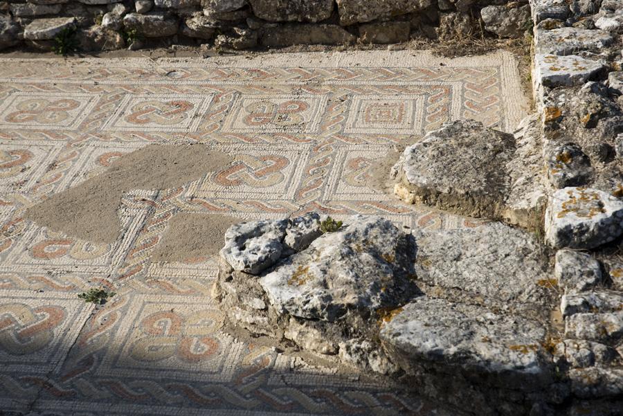 Azulejos nas ruínas romanas