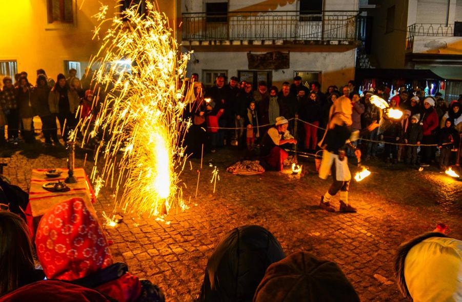 Festa nas ruas de Paúl ©Casa do Povo de Paúl