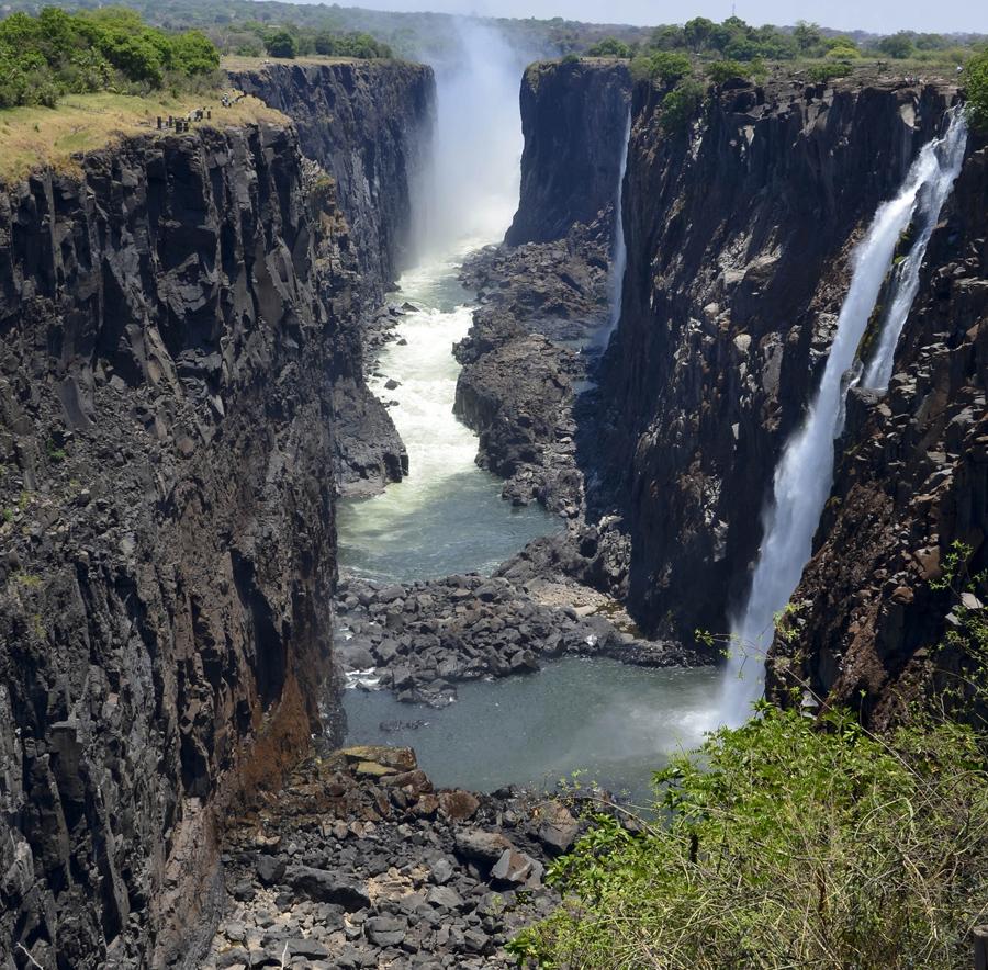 Vista do percurso pedestre no lado da Zâmbia