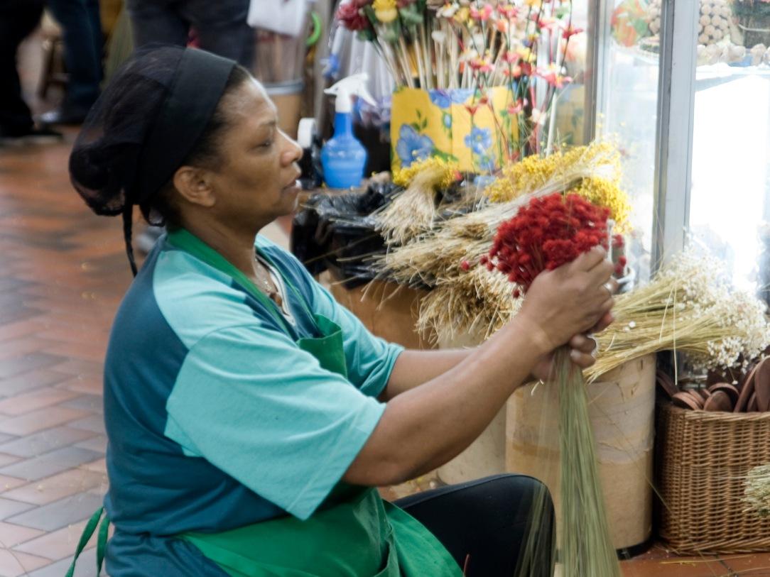 Desde 1964 que o Mercado Central é gerido de forma comunitária. A partilha de responsabilidades faz do mercado um lugar tranquilo.
