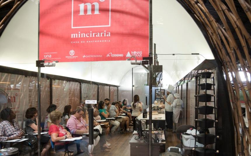 No Mercado Central há uma Cozinha Escola da Mineiraria, o elo central do Programa +Gastronomia. Os cursos são gratuitos.