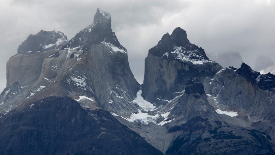 Formação de glaciares no topo das torres