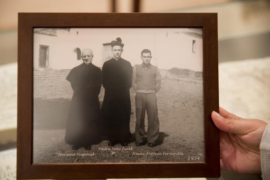 Museu com imagem de antigos membros da comunidade religiosa