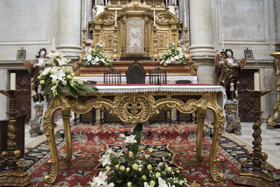 Talha dourada no altar-mor