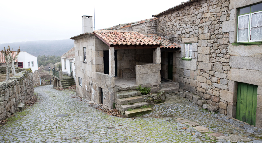 Rua em Marialva próximo do castelo