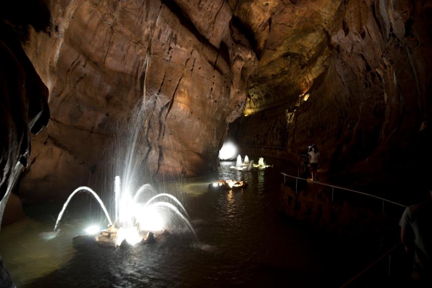 Lago de água na parte final da visita